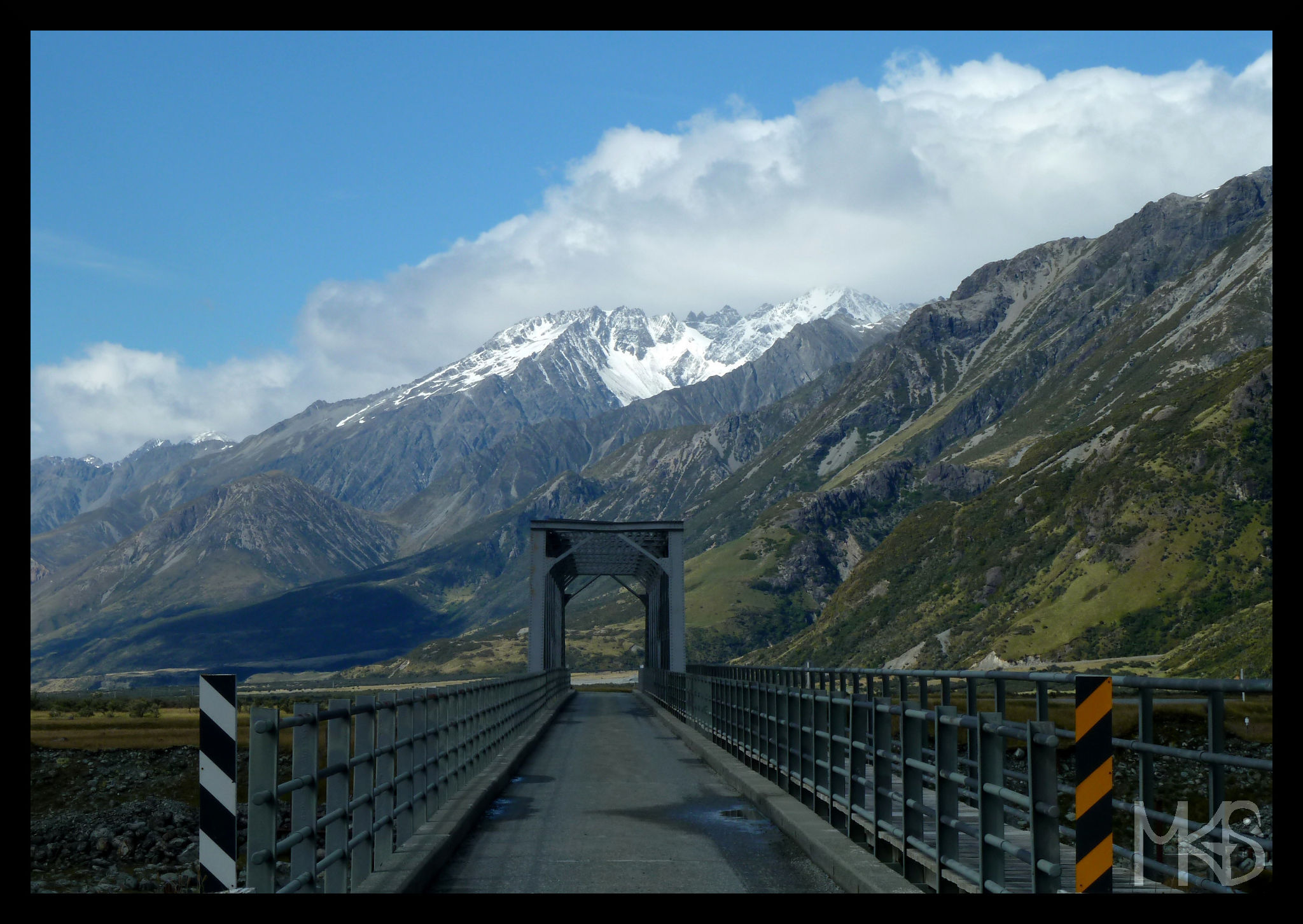 One lane bridge, New Zealand